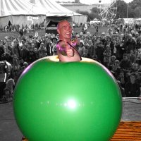 Balloon Act Bruce Airhead for hire