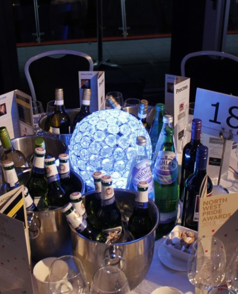 Low Crystal Globe Table Centre