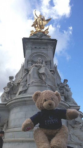 Ted at the Queen Victoria Memorial, London!