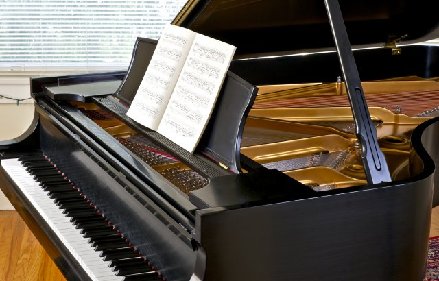Pianist to hire